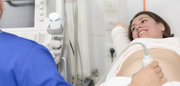 8. Schwangerschaftswoche (SSW) – so groß wie ein Daumennagel