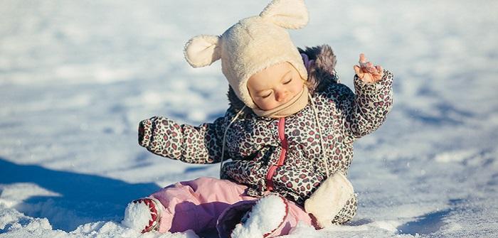 Baby anziehen im Winter: Der ideale Schutz, wenn es kalt ist