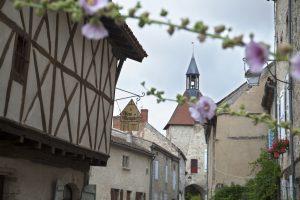 Entspannung bei kulinarischen Genüssen? da wäre zum Beispiel das Bois-et-Bougies in Charroux in der Auvergne zu nennen. (#3)