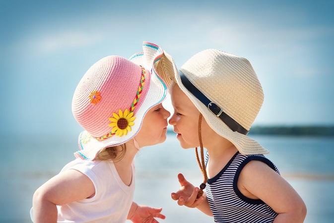 Du und dein Freund oder deine Freundin seid mit einem anderen Pärchen schon über lange Zeit befreundet und ihr unternehmt zu viert jede Menge spannende Sachen? (#04)