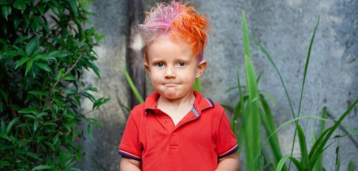 Kinderfrisuren Jungen: Die 11 coolsten, wildesten und süßesten Frisuren für das Jahr 2021 ( Foto: Shutterstock-Denis Moskvinov _)