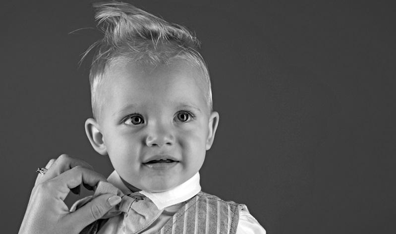 Die ideale Kinderfrisur lässt einem Jungen jede Menge Freiraum. Die Haare fallen nicht in die Augen und müssen beim Toben nicht immer wieder weggestrichen werden. ( Foto: Shutterstock- Volodymyr TVERDOKHLIB )