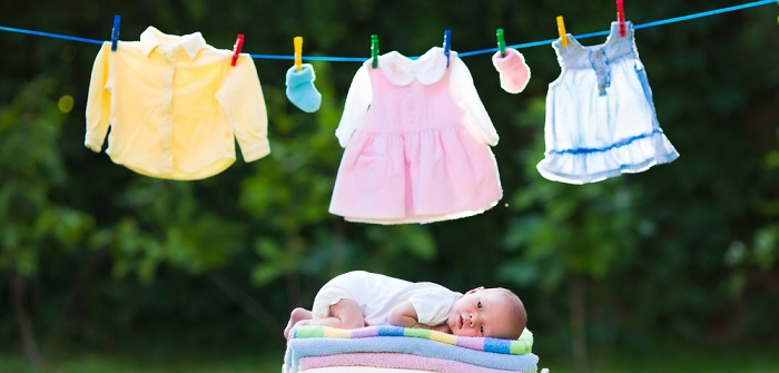 Kinderkleidung mieten: Pro und Kontra! ( Foto: Shutterstock- _FamVeld )