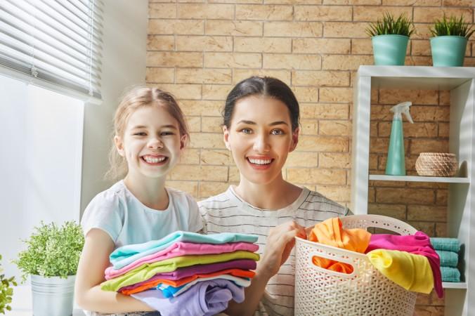 Wird die Kinderkleidung richtig gepflegt, kann man eine längere Haltbarkeit erwarten und hat somit länger Freude an den Lieblignskleidungsstücken und damit glücklichere Kinder. (#5)