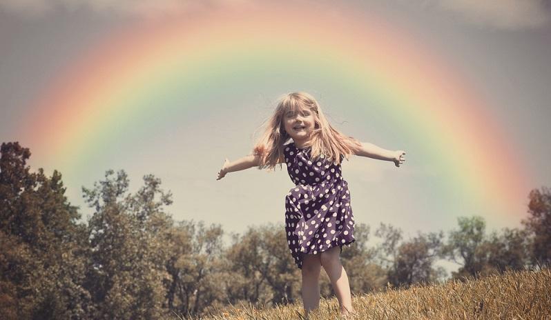 Es wird gemeinhin angenommen, dass die Regenbogenkinder nach den Kristallkindern und den Indigokindern geboren worden sind. (#02)