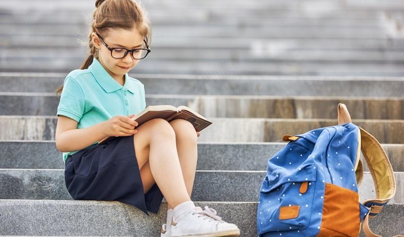 In jedem Jahr stehen Tausende von Eltern vor der Entscheidung, welchen Schulranzen sie kaufen sollen. (#01)