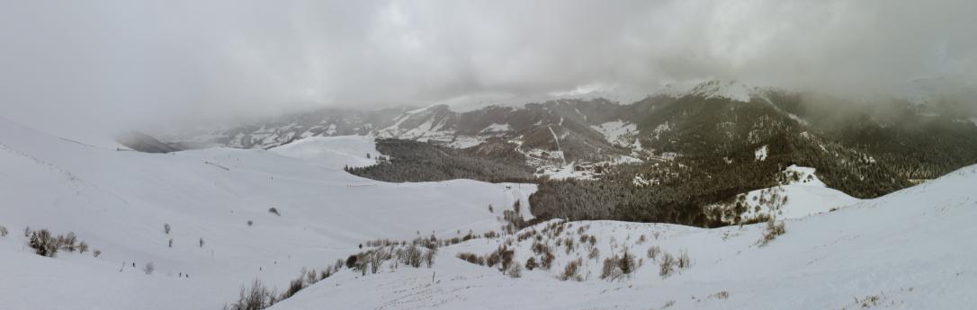 Skigebiete Auvergne: Le Lioran, von der Piste l'Aiguillon aus beobachtet. (#1)