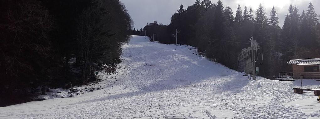Skigebiete Auvergne: Die Wintersportstation Saint-Urcize bzw. Super Blaise zählt zu den Kleinen. (#5)