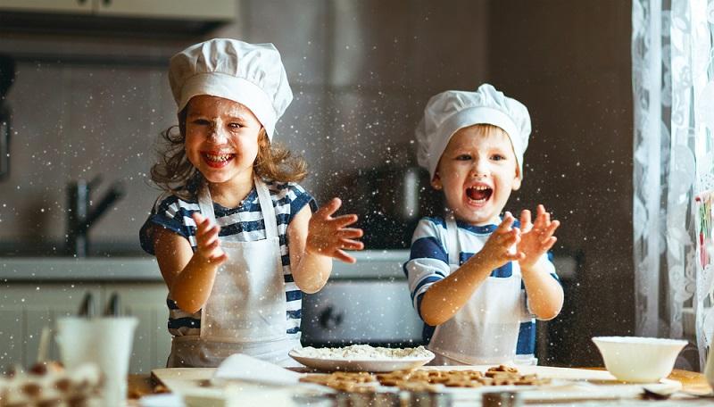 Spätestens in der Adventszeit, wenn die Plätzchen gebacken werden, beginnen die ersten Planungen für das Weihnachtsfest. (#03)