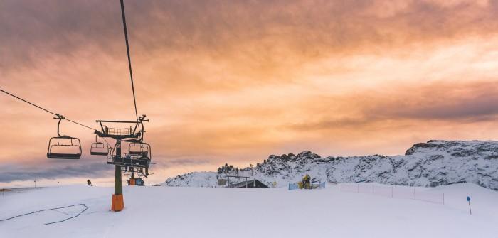 Auvergne Ski: die acht Skigebiete in der Auvergne locken Eltern wie Kinder in den Schnee